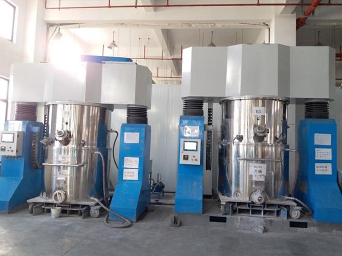 无锡银燕为江苏电池浆料生产公司提供双行星搅拌机