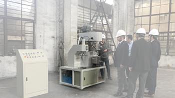 日本客户询胶黏剂搅拌机并参观无锡银燕工厂