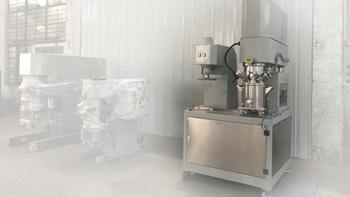 某大学教授参观银燕工厂并咨询纤维改性材料搅拌机