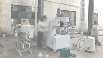 银燕双行星混合搅拌机应用新材料行业