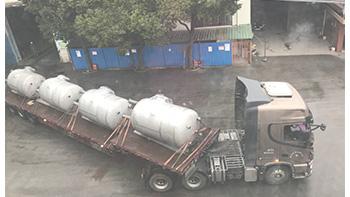 银燕储罐及多功能双轴搅拌机顺利发货